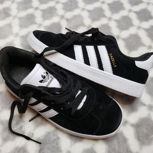 Adidas shoes size 5